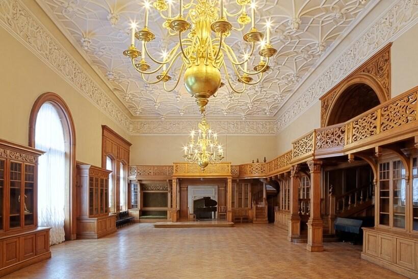 Убранство во дворце Белосельских-Белозерских