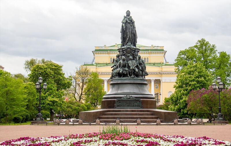 Памятник Екатерине Великой