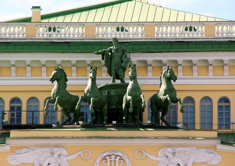 Скульптура Театра