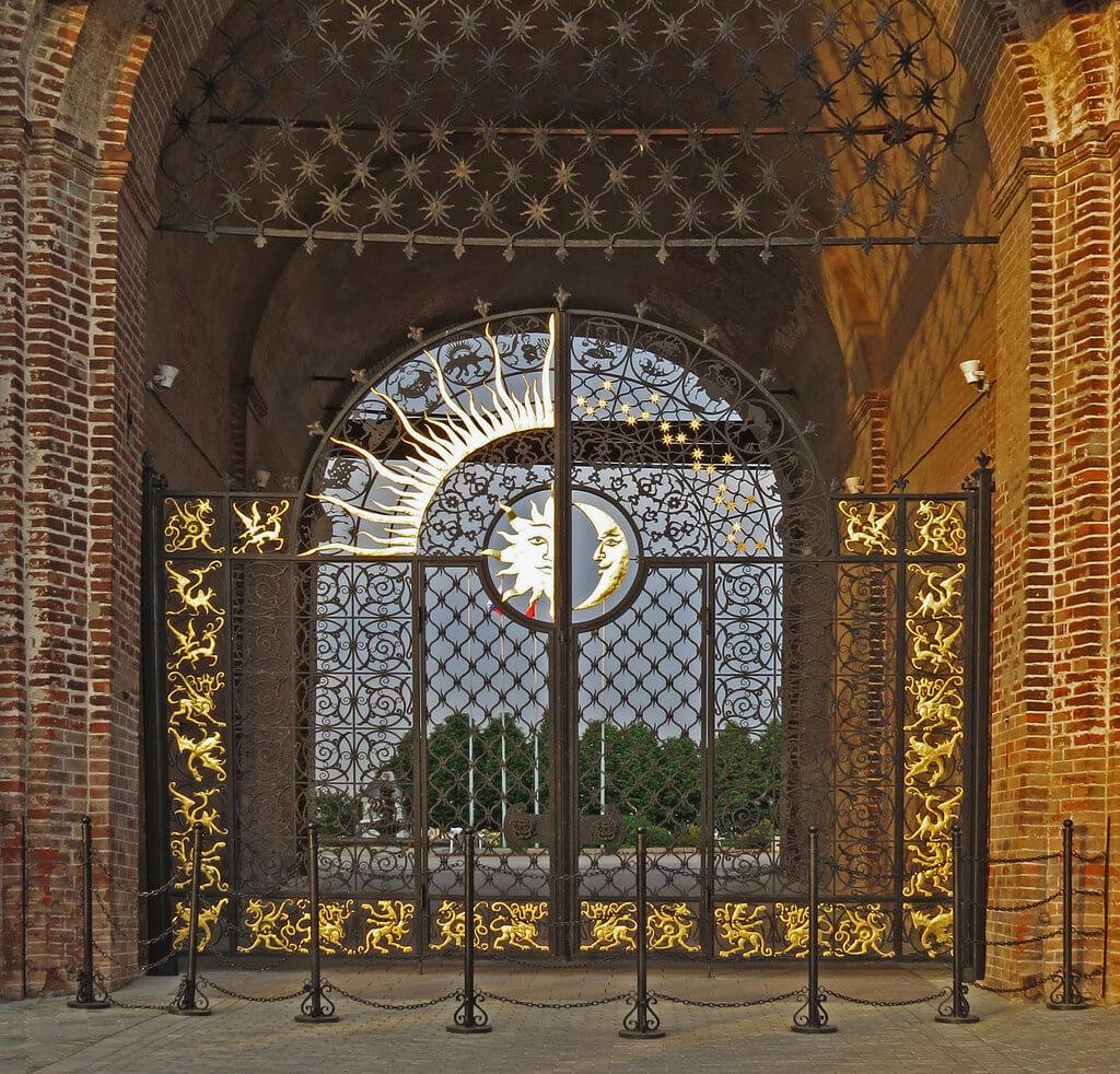 Ворота в башню